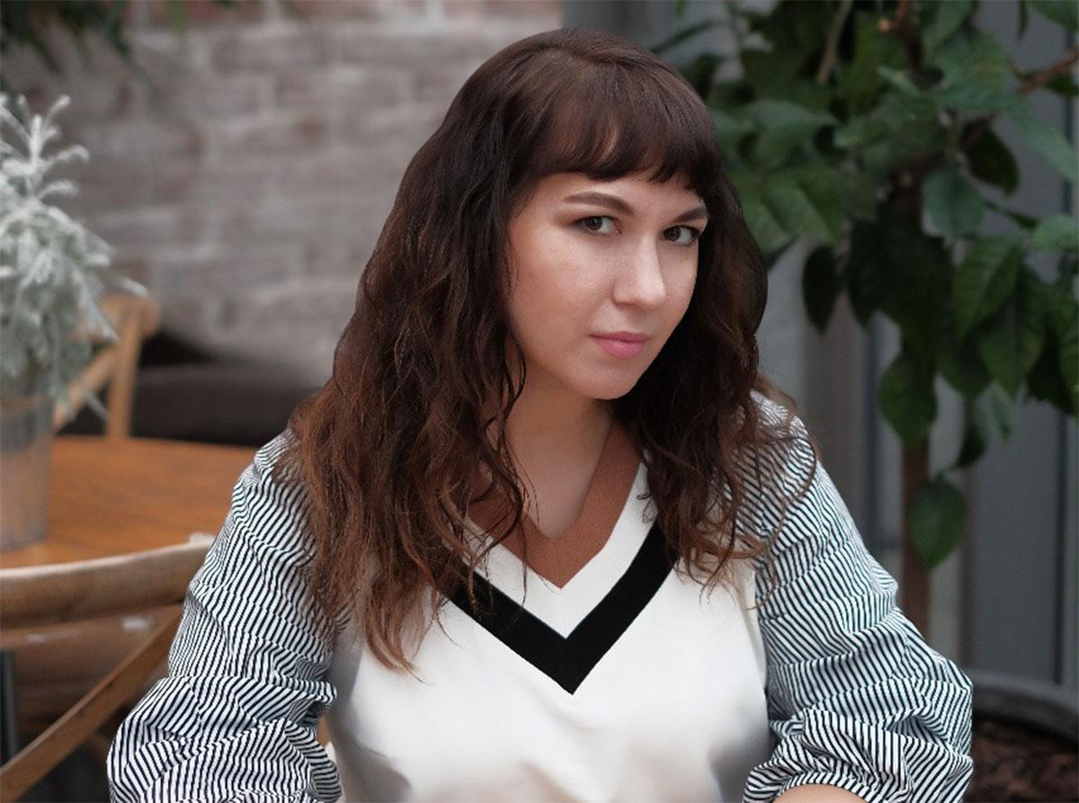 Мария Гусакова, c 2020 года управляющий партнер нового коммуникационного агентства Blackline PR, в прошлом - Redline PR