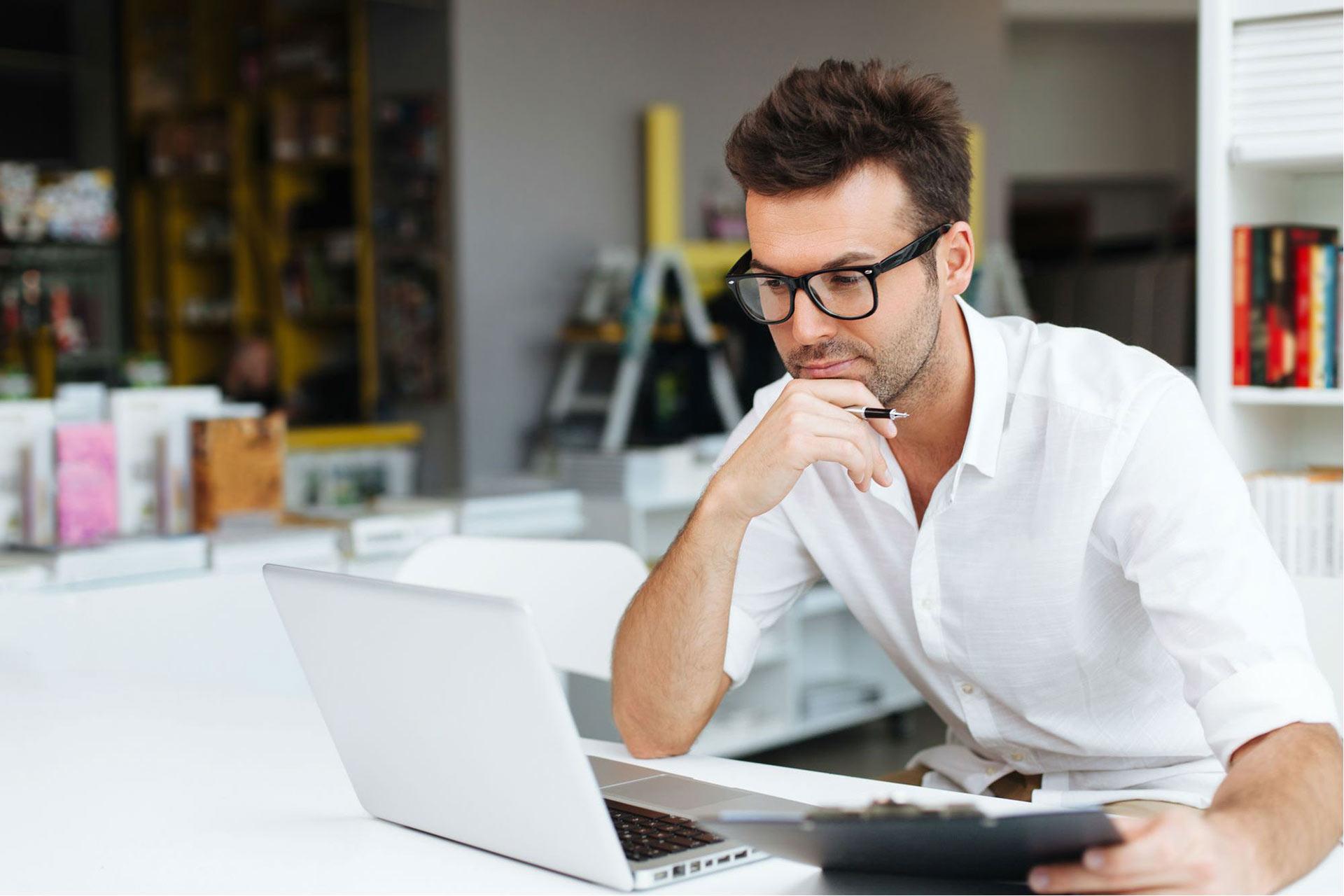 Бесплатный вебинар: Я не Блогер: как построить персональный бренд владельцу бизнеса и не утонуть в соцсетях