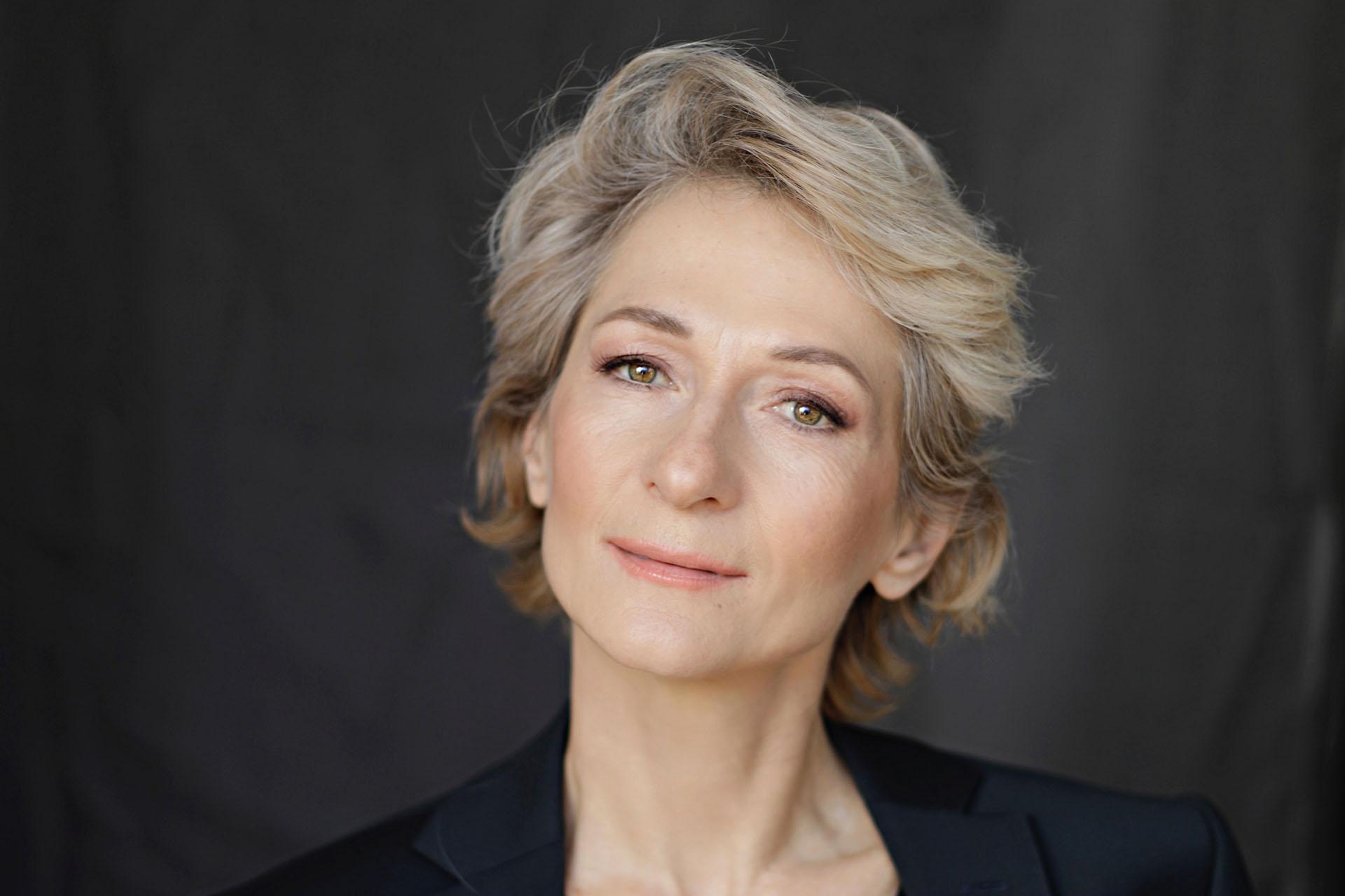 Елена Толкач, женский коуч по достижению личных и профессиональных целей во Франции
