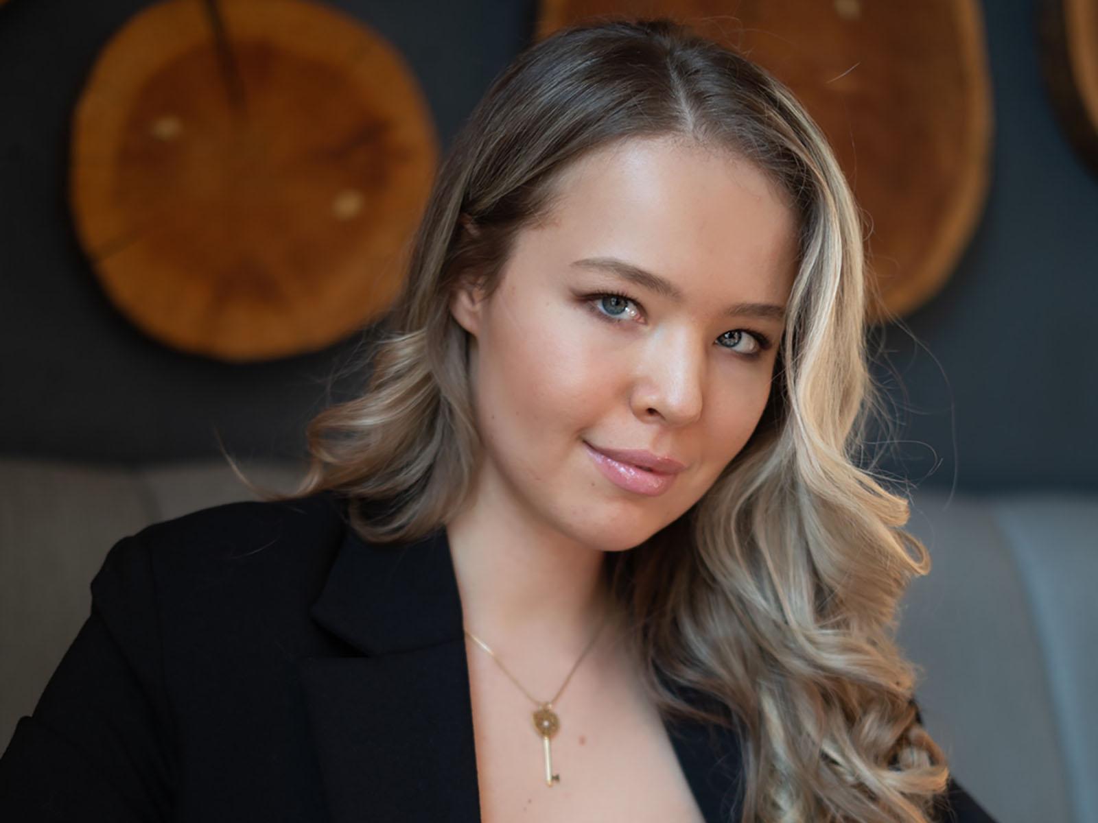 Яна Горячкова - 6 лет в маркетинге, стартап-маркетолог, эксперт по личному бренду