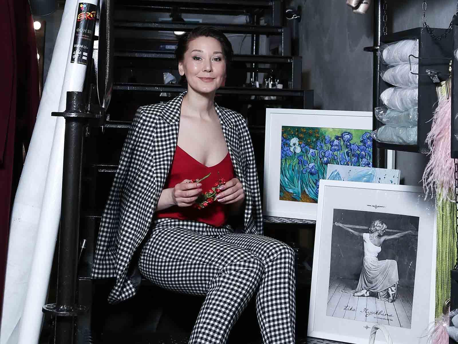 Елена Казакова, имиджмейкер-стилист с опытом работы в индустрии красоты, имиджа и стиля более 20 лет
