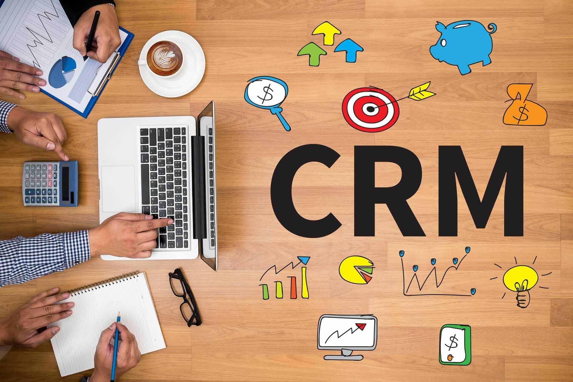 Бесплатный вебинар: Основы запуска CRM в компании. Опыт проектов AmoCRM и Битрикс24