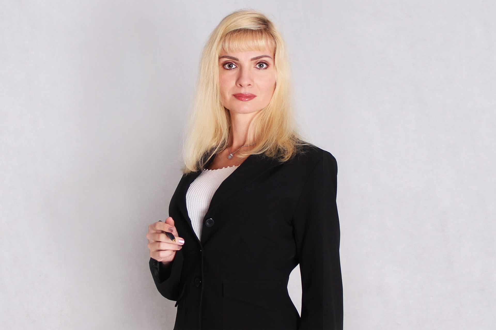 Вера Бокарева. Бизнес-тренер и  консультант в области продаж, маркетинга, профессиональной и личной эффективности