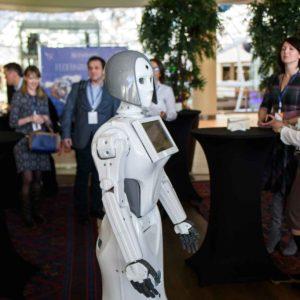 Бизнес-прогноз: Увеличение количества сервисных роботов