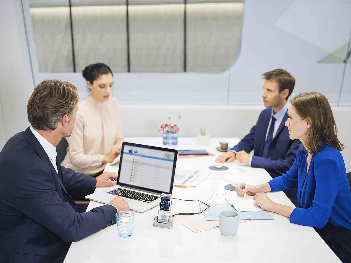 Вебинар: Удержание клиентов и управление продажами в B2B