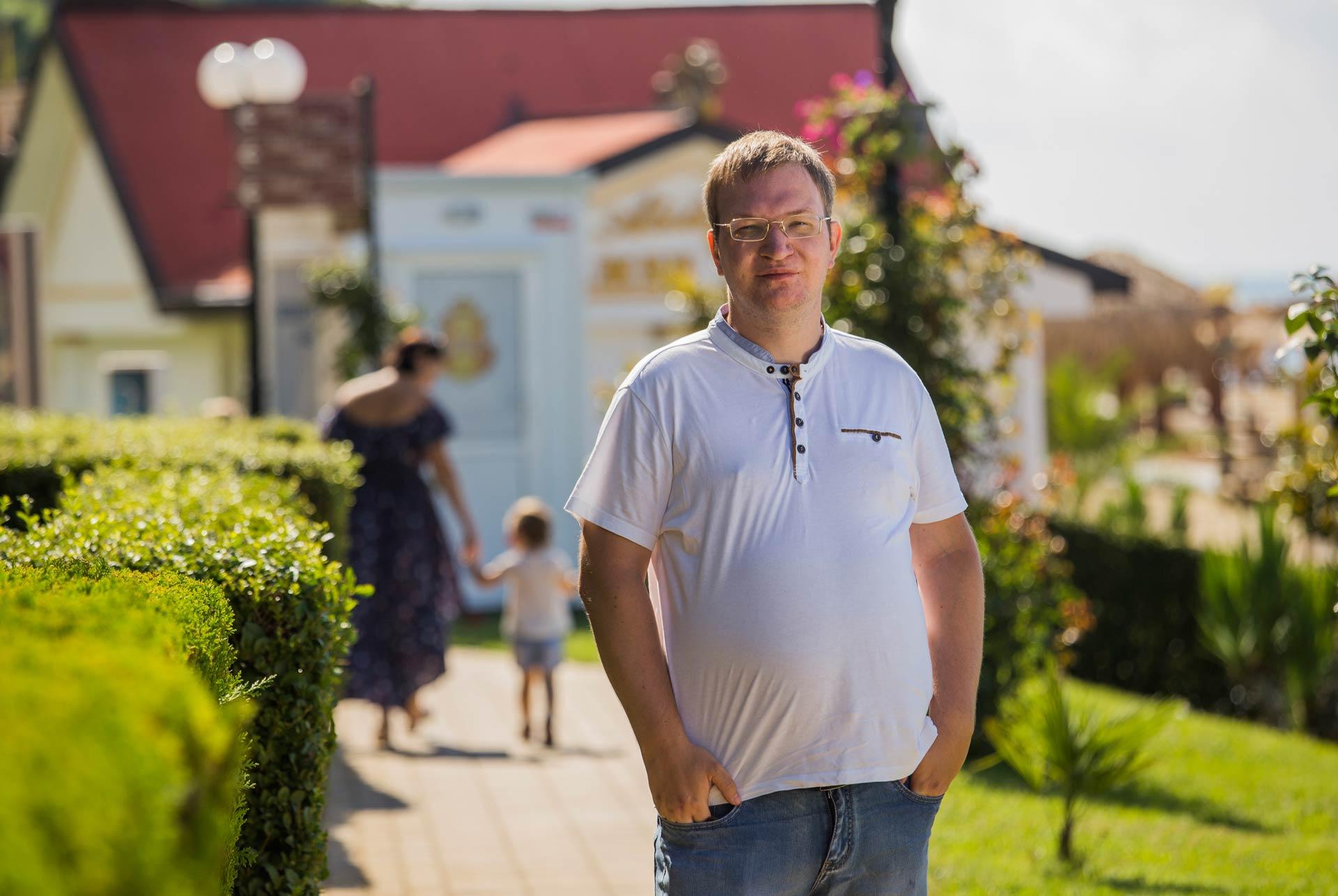 Илья Егоров - сооснователь сообщества «Кладовая Маркетолога» и руководитель Школы «Маркетинг Партизан»