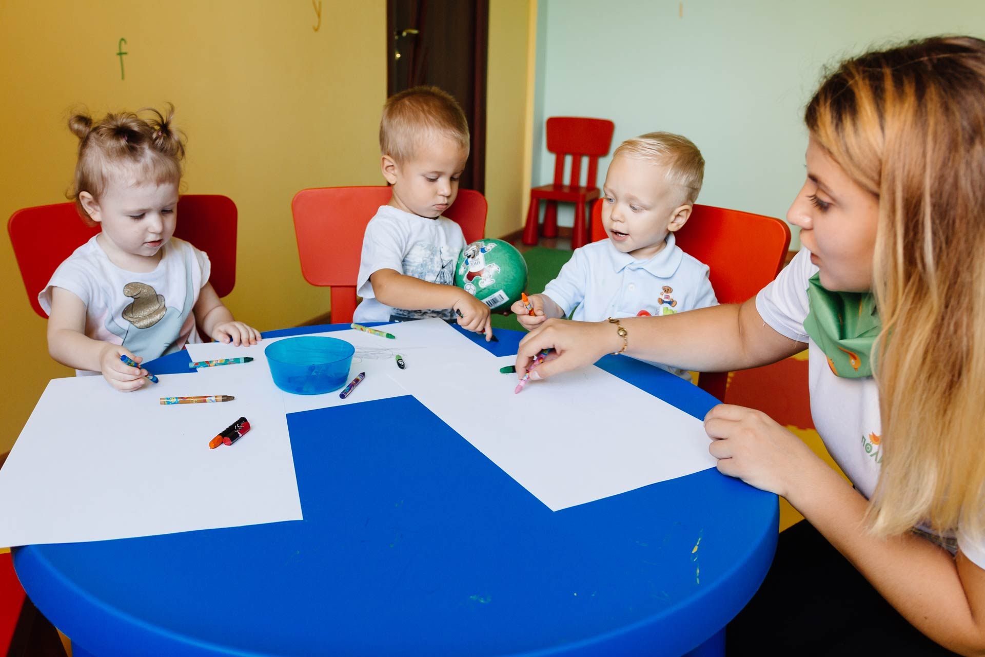 Учить языки надо с рождения: о детях, которые с пеленок говорят на двух языках