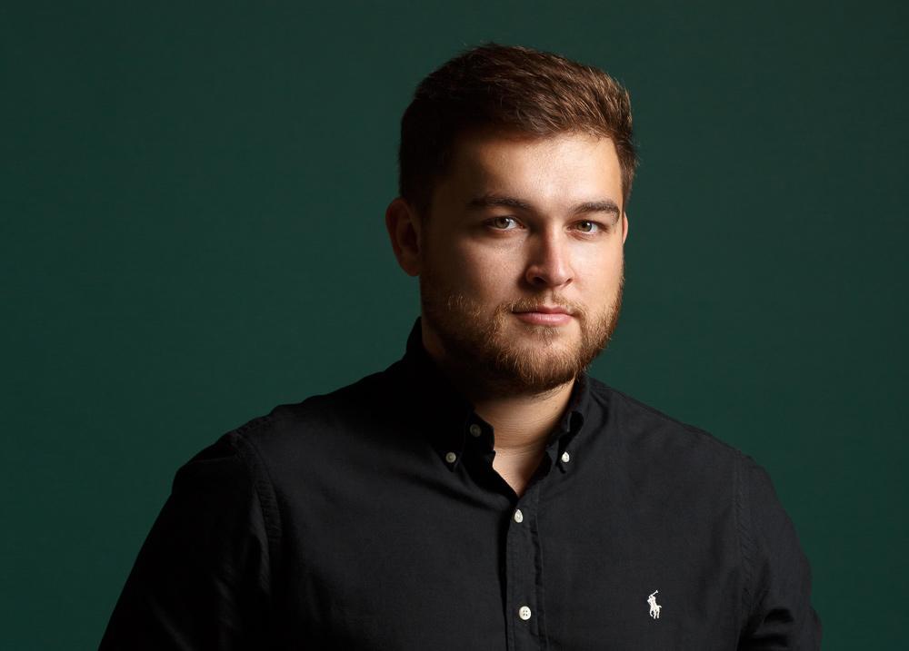 Антон Василенко, основатель международной сети барбершопов Borodach и бренда мужской косметики Borodach Pro, инвестор