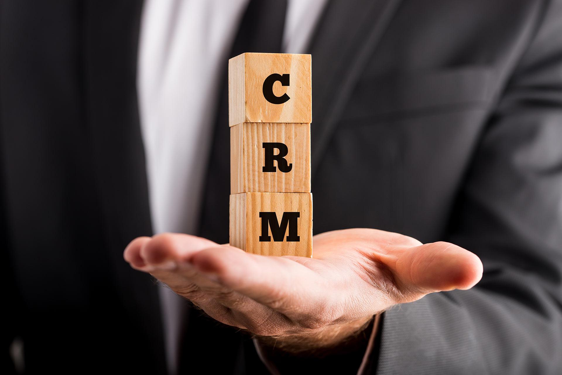 CRM для B2B компаний. Как автоматизировать отдел продаж товаров и услуг для бизнеса. Кейсы и практика