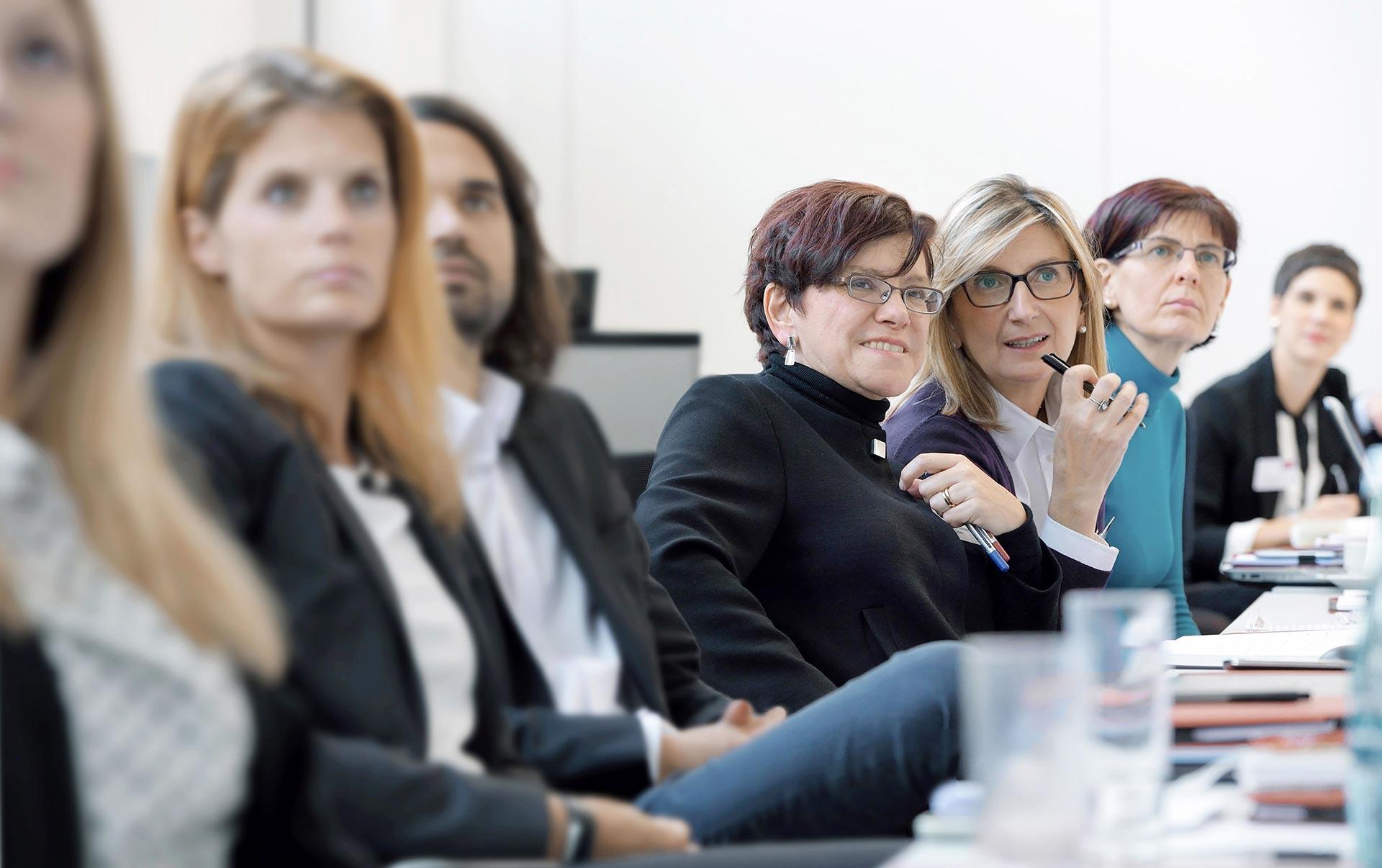Простые способы заинтересовать аудиторию при публичном выступлении. Расскажите о каком-нибудь событии.