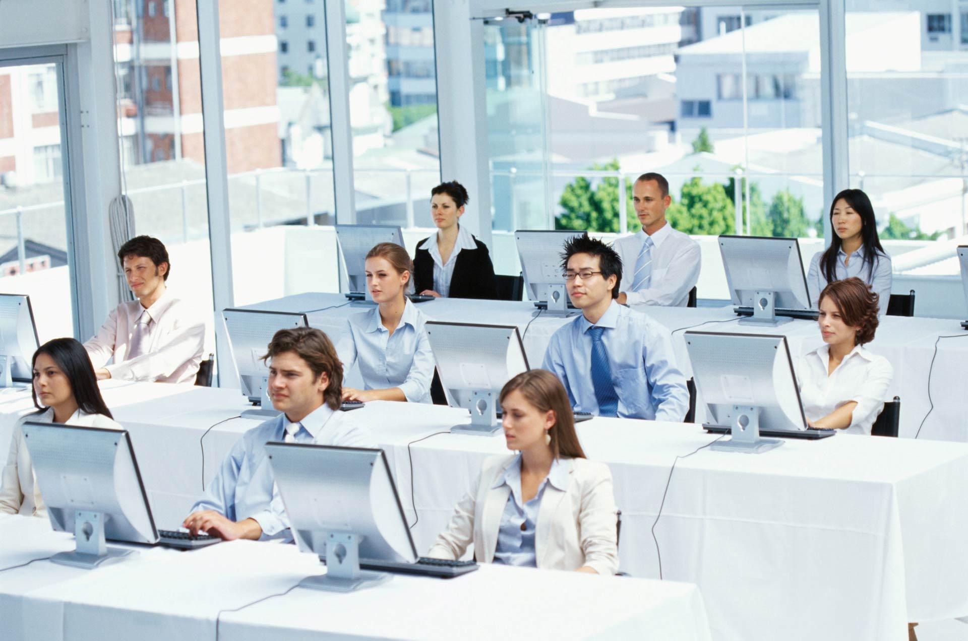 Бесплатный вебинар: Система управления базами данных в языковой онлайн школе